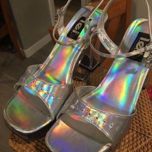 L.E.I. Vintage 90's holo chunky platforms heels!